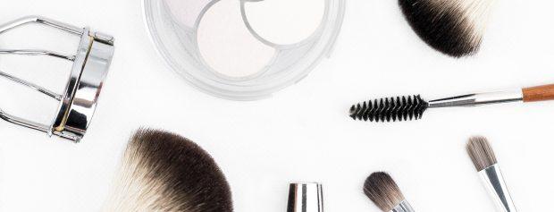 Barber, guyliner i milionerzy z YouTube – trendy kosmetyczne w sieci