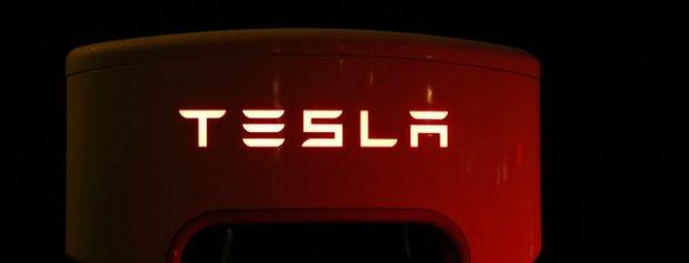 Tesla az űrben! – megSentiztük a netet