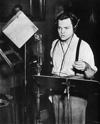 30 October, 1938 CBS radio network aired the play based on The War of the Worlds novel - Orson Wells