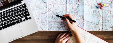 Wakacje w hotelu? Można inaczej! Backpacking, city breaks, all inclusive – który sposób podróżowania jest najpopularniejszy i dlaczego?